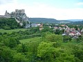 Chata Beckov - Výhľad na hrad z lodggie obývačky a obec